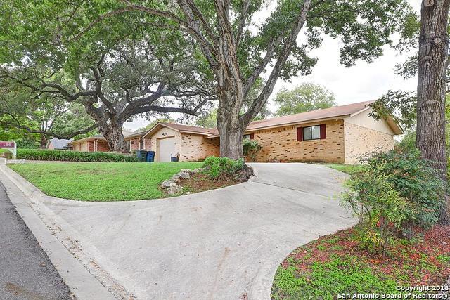 960 Springhill Dr, New Braunfels, TX 78130 (MLS #1344141) :: Carter Fine Homes - Keller Williams Heritage