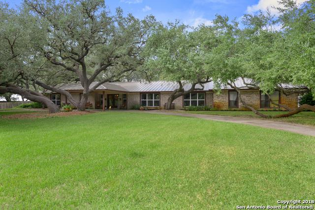 233 Brian Dr, Pleasanton, TX 78064 (MLS #1344192) :: Tom White Group