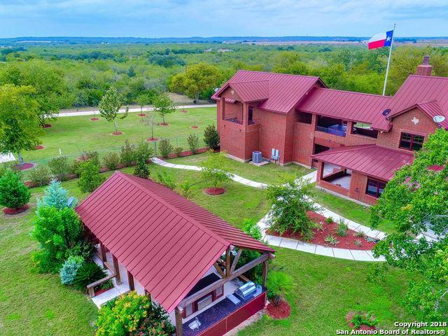 6755 County Road 4514, Devine, TX 78016 (MLS #1344203) :: The Suzanne Kuntz Real Estate Team