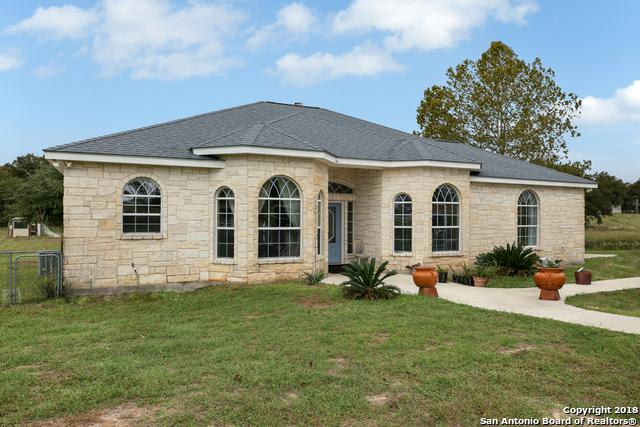 210 Bluebonnet Ridge, La Vernia, TX 78121 (MLS #1344375) :: Tom White Group