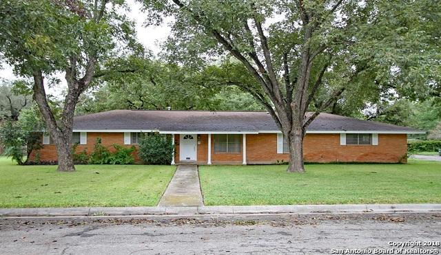 2809 Avenue I, Hondo, TX 78861 (MLS #1344557) :: Vivid Realty