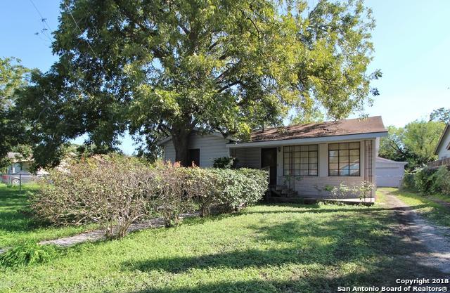 1114 W Hutchins Pl, San Antonio, TX 78221 (MLS #1344642) :: Neal & Neal Team