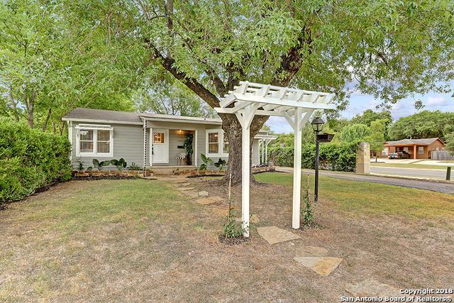 1065 Lee St, New Braunfels, TX 78130 (MLS #1345002) :: Erin Caraway Group