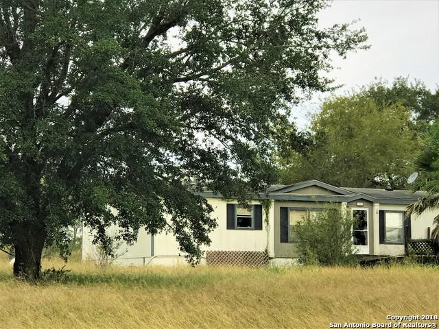 922 County Road 124, Floresville, TX 78114 (MLS #1345304) :: Alexis Weigand Real Estate Group