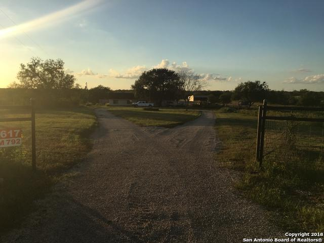 4617 Fm 792, Kenedy, TX 78119 (MLS #1345466) :: Alexis Weigand Real Estate Group