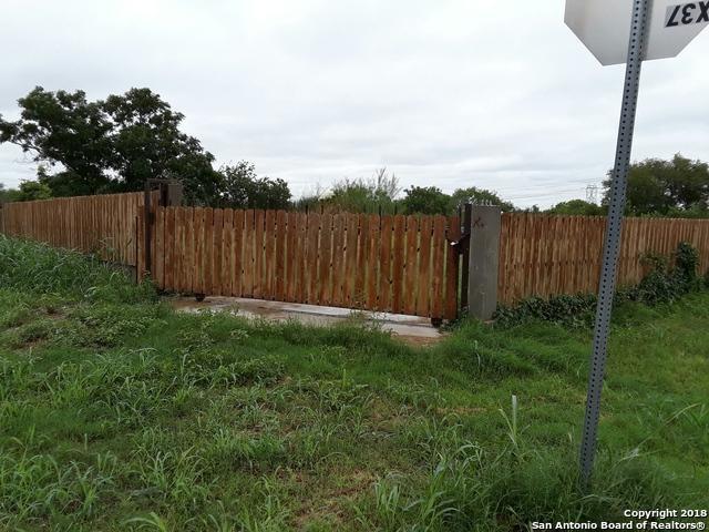 422 G St, San Antonio, TX 78220 (MLS #1345794) :: The Suzanne Kuntz Real Estate Team