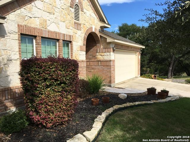 208 Chisholm Drive, Boerne, TX 78006 (MLS #1346071) :: Alexis Weigand Real Estate Group