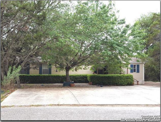 735 Lakeview Loop, Canyon Lake, TX 78133 (MLS #1346148) :: Alexis Weigand Real Estate Group