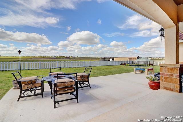240 Triple R Dr, La Vernia, TX 78121 (MLS #1347170) :: The Suzanne Kuntz Real Estate Team