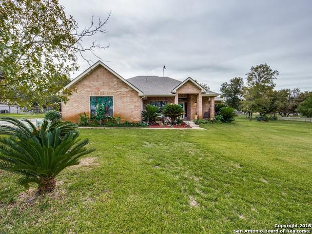 164 Oak Fields Dr, Floresville, TX 78114 (MLS #1347359) :: Exquisite Properties, LLC