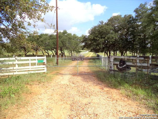 6850 County Rd 434, Stockdale, TX 78160 (MLS #1347411) :: Vivid Realty