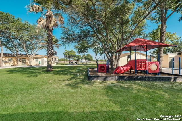 1104 Country Ln, Marion, TX 78124 (MLS #1347675) :: Neal & Neal Team
