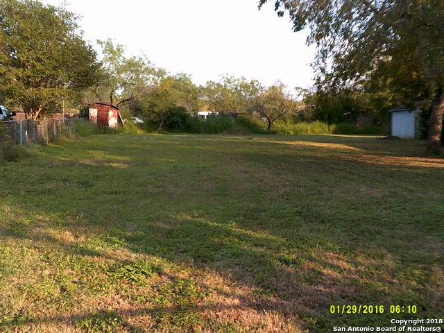 9322 Clamp Ave, San Antonio, TX 78221 (MLS #1348080) :: Alexis Weigand Real Estate Group