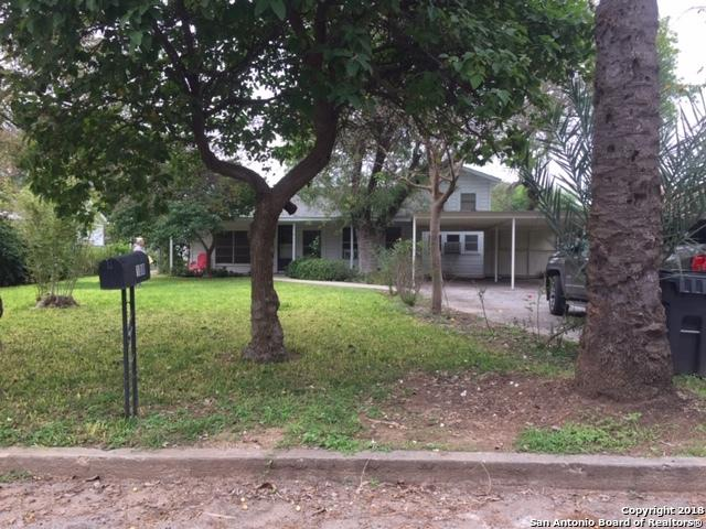 108 S 19th St, Carrizo Springs, TX 78834 (MLS #1348149) :: BHGRE HomeCity