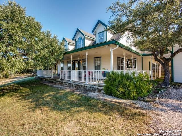 225 Skyview Dr, Boerne, TX 78006 (MLS #1348169) :: Alexis Weigand Real Estate Group