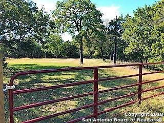 129 Indian Crossing, Pipe Creek, TX 78063 (MLS #1348234) :: NewHomePrograms.com LLC