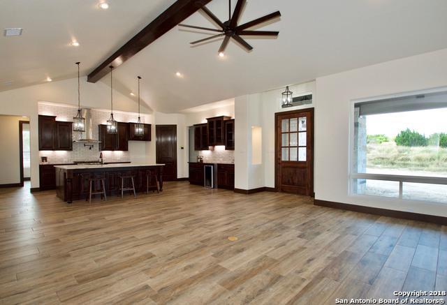 1045 Mystic Shores Blvd, Spring Branch, TX 78070 (MLS #1348437) :: Exquisite Properties, LLC