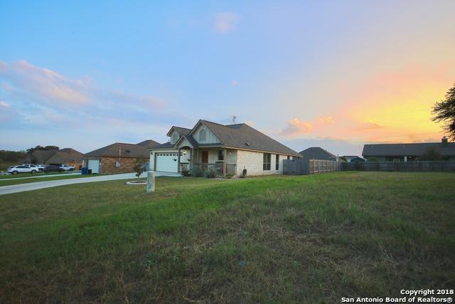 120 Ridgecrest, Floresville, TX 78114 (MLS #1348607) :: NewHomePrograms.com LLC