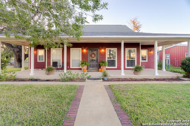 1754 W. Goodwin St., Pleasanton, TX 78064 (MLS #1348861) :: NewHomePrograms.com LLC