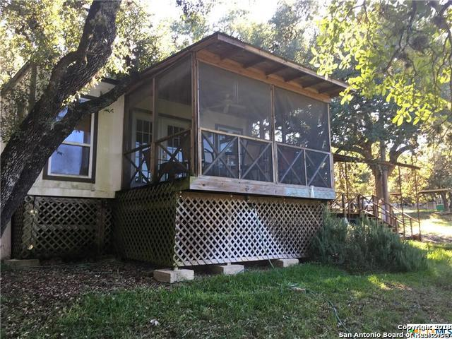 646 Royal Oak Dr, Canyon Lake, TX 78133 (MLS #1349006) :: Neal & Neal Team