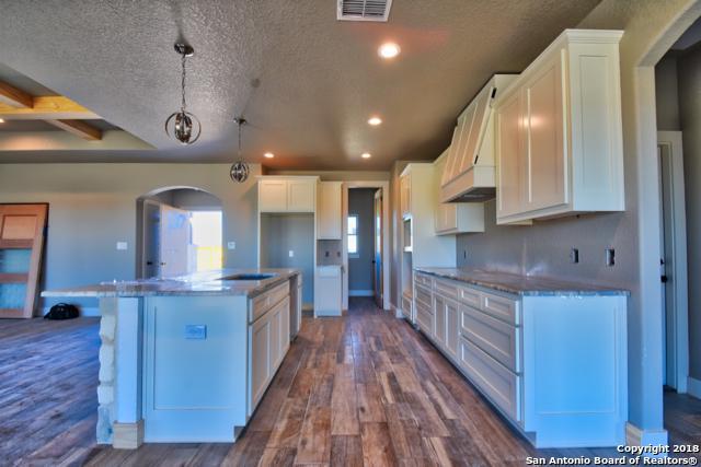 180 Gentle Breeze, Floresville, TX 78114 (MLS #1349036) :: NewHomePrograms.com LLC