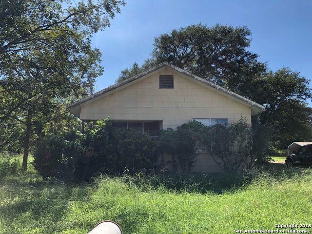 1101 5TH ST, Floresville, TX 78114 (MLS #1349040) :: NewHomePrograms.com LLC
