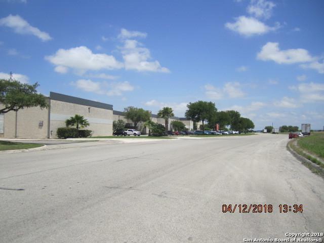 20 Woodlake, San Antonio, TX 78244 (MLS #1349336) :: Neal & Neal Team