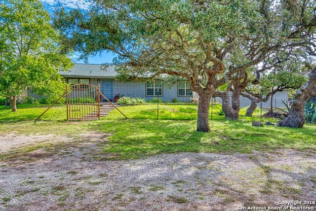 269 S Spanish Oak Trail, Kerrville, TX 78028 (MLS #1349591) :: Alexis Weigand Real Estate Group