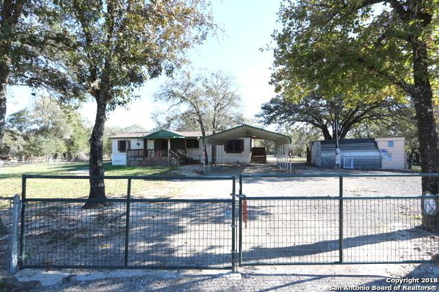 309 Hickory Run, La Vernia, TX 78121 (MLS #1349619) :: Neal & Neal Team