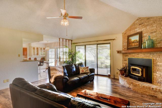 128 Live Oak Ter, Bandera, TX 78003 (MLS #1349738) :: Alexis Weigand Real Estate Group