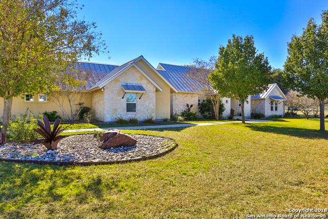 209 Lookout Pt, Comfort, TX 78013 (MLS #1349743) :: Alexis Weigand Real Estate Group