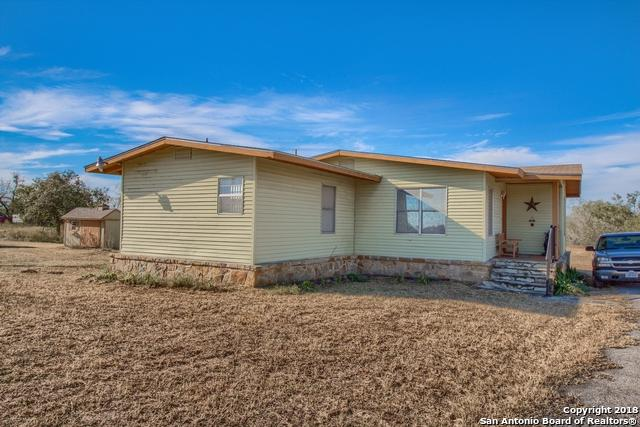 8843 County Road 401, Floresville, TX 78114 (MLS #1349842) :: The Castillo Group