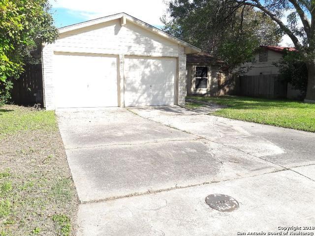 2410 Bear Springs Dr, San Antonio, TX 78245 (MLS #1350020) :: The Suzanne Kuntz Real Estate Team