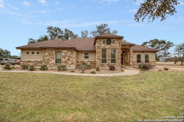 104 Copper Ridge Dr, La Vernia, TX 78121 (MLS #1350237) :: Alexis Weigand Real Estate Group