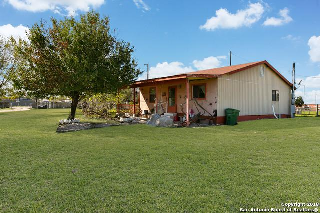 4271 S Flores Rd, Elmendorf, TX 78112 (MLS #1350587) :: Alexis Weigand Real Estate Group