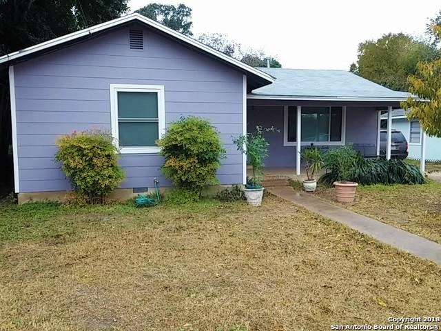 530 N Vaughan Ave, Seguin, TX 78155 (MLS #1350892) :: Alexis Weigand Real Estate Group