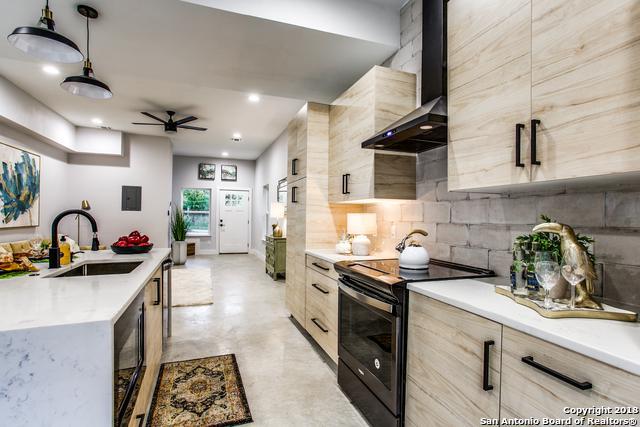 1306 Bailey Ave, San Antonio, TX 78210 (MLS #1351763) :: Alexis Weigand Real Estate Group