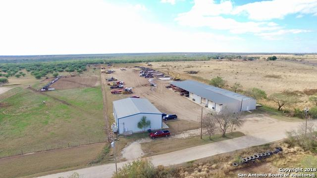 1007 W Highway 97, Jourdanton, TX 78026 (MLS #1351916) :: Alexis Weigand Real Estate Group