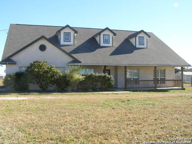 142 Shannon Ridge, Floresville, TX 78114 (MLS #1352066) :: Alexis Weigand Real Estate Group