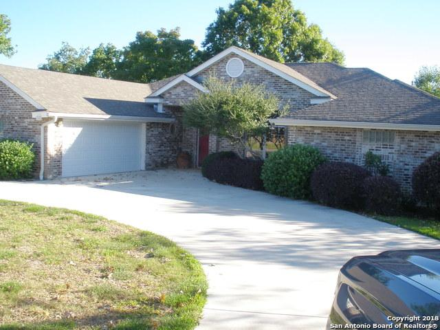 1001 River Oak Dr, Seguin, TX 78155 (MLS #1352323) :: Exquisite Properties, LLC