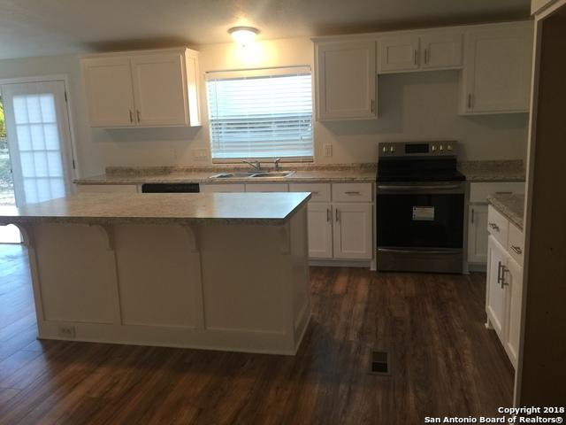 636 Broad Oak Dr, Bandera, TX 78003 (MLS #1352351) :: Alexis Weigand Real Estate Group