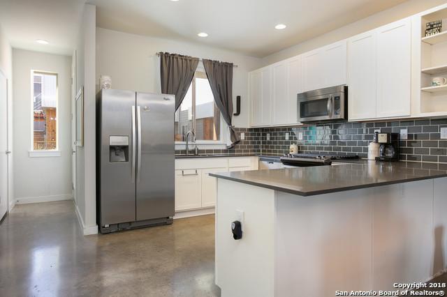 330 Clay St #11, San Antonio, TX 78204 (MLS #1352377) :: Keller Williams City View