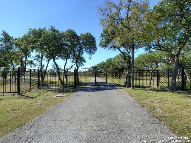 102 Cibolo Pass, Boerne, TX 78015 (MLS #1352441) :: Exquisite Properties, LLC