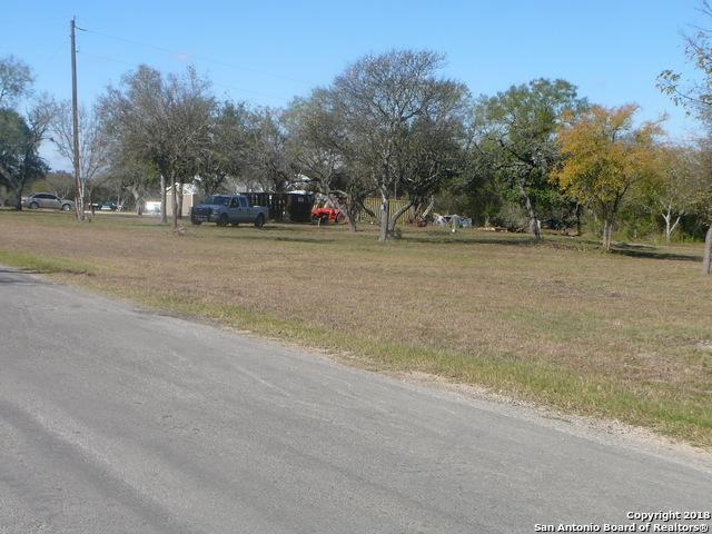 127 CR 5720 Cr5720, Castroville, TX 78009 (MLS #1352584) :: Alexis Weigand Real Estate Group
