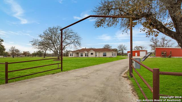 319 Broken Arrow, Floresville, TX 78114 (MLS #1352725) :: NewHomePrograms.com LLC