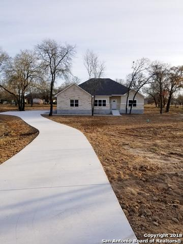 190 County Road 6864, Natalia, TX 78059 (MLS #1353095) :: Vivid Realty