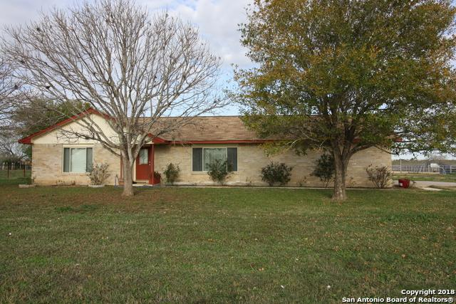 622 Deer Trail Dr, Jourdanton, TX 78026 (MLS #1353307) :: Vivid Realty