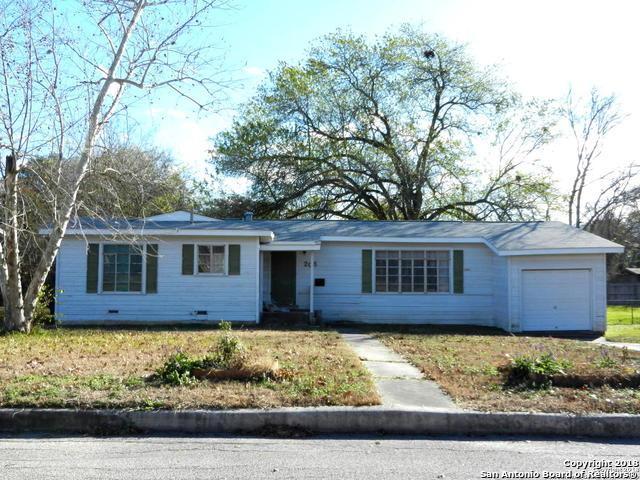 208 Lyman Dr, Terrell Hills, TX 78209 (MLS #1354173) :: ForSaleSanAntonioHomes.com