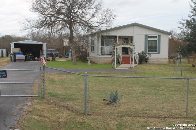 5012 Sutherland Springs Rd, Seguin, TX 78155 (MLS #1354248) :: Erin Caraway Group