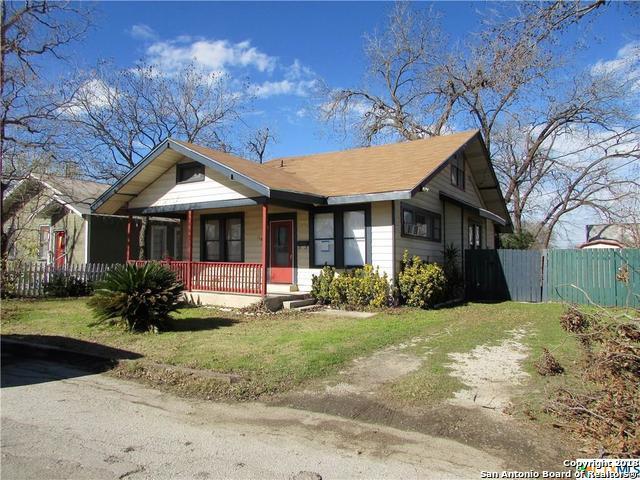 110 W Weinert St, Seguin, TX 78155 (MLS #1354528) :: Erin Caraway Group